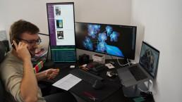 Kollege Micha mit seinen vielen Rechnern