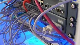 Server Kabel Netzwerk Systemadministrator bei allsafe